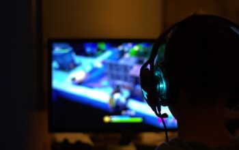 Advantages and Disadvantages of Online Games in the Future
